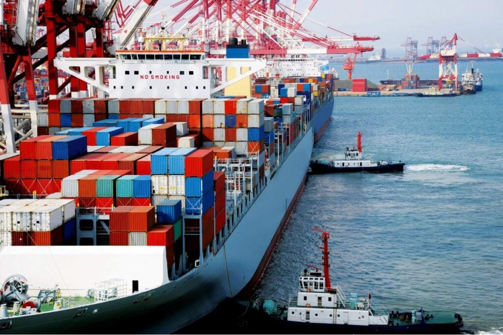 Container ship- types of ships- Daily Logistics