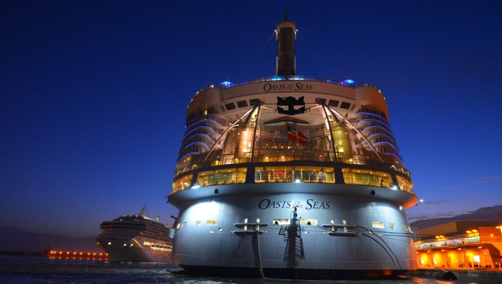 10 Biggest Cruise Ships in 2021- Oasis of the Seas Daily Logistics